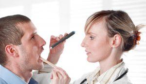В зависимости от стадии заболевания, врач назначает ряд препаратов. Как правило, лечение проходит в домашних условиях