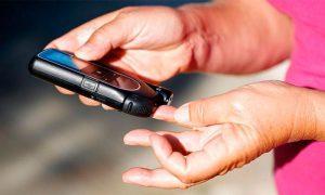 Для людей, страдающих диабетом, глюкометр - незаменимый прибор, который должен быть в домашней аптечке