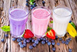Основой напитка могут выступать соки, натуральные морсы, травяные отвары, молоко, фруктовые сиропы