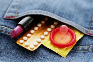 Каждый человек, использующий средства контрацепции, должен быть осведомлен об побочных эффектах и противопоказаниях к этим средствам