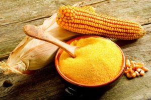 Польза кукурузы к косметологии неоспорима - на ее основе можно приготовить средство для кожи с любыми проблемами