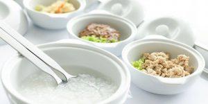 Пищевое отравление можно вылечить быстро и эффективно, если соблюдать постельный режим, в первые сутки полностью отказаться от еды, а далее придерживаться строгой диеты