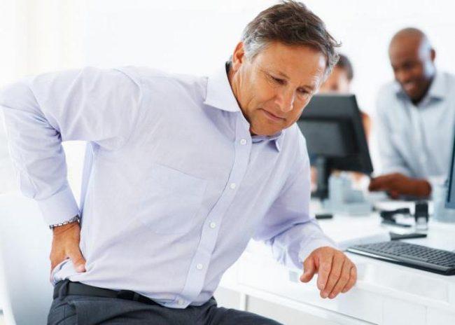 Внутримышечное введение диклофенака натрия показано при острой боли, включая почечную колику, обострении остеоартроза и ревматоидного артрита, острой боли в спине