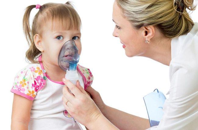 Ингаляции небулайзером эффективно устраняют сухой кашель у ребенка