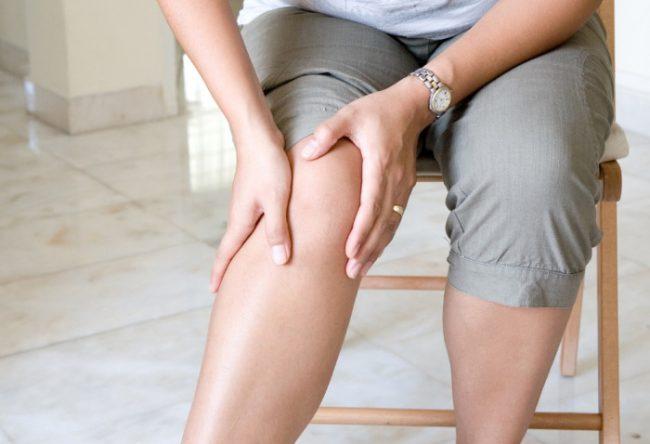 Действие диклофенака проявляется уменьшением продолжительности утренней скованности, уменьшением боли, снижением припухлости, отечности суставов, а также улучшением функциональной способности суставов, что способствует увеличению объема движений