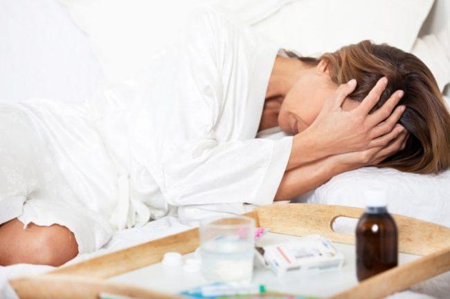 Страдает желудочно-кишечный тракт: тошнота, диарея, запор, абдоминальная боль или спазм, чувство вздутия живота, метеоризм, пептическая язва с возможными осложнениями