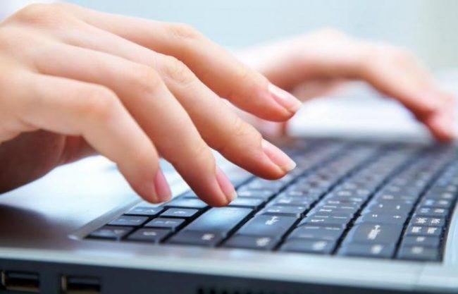 Долгая монотонная работа, при которой руки находятся в одном положении, может стать причиной их онемения