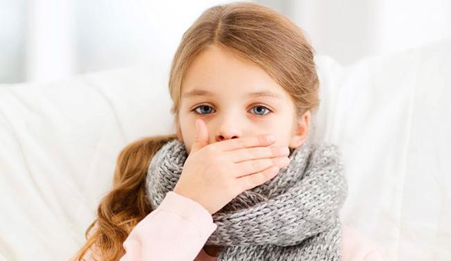 Кашель является характерным симптомом многих заболеваний, который тяжело поддаётся лечению, зачастую справиться с ним можно только при помощи мощных препаратов в комплексной терапии