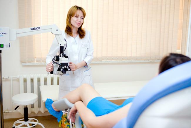 При выжидательной терапии, пациентки находятся под постоянным наблюдением гинеколога