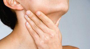 Тонзиллит возникает в результате частых заболеваний миндалин