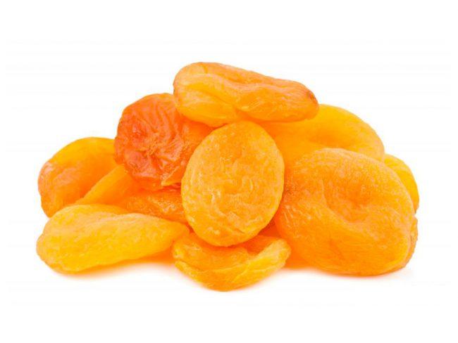 Содержащийся в абрикосах каротин не только лечит сердечные заболевания, отодвигает процесс старения, улучшает зрение, но и повышает мужскую потенцию, поэтому представители сильного пола не должны отказываться от восточного фрукта