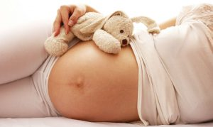 Использовать Ацикловир во время беременности можно строго под контролем врача-гинеколога