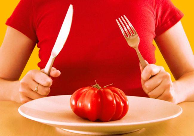 Анафилактический шок может возникнуть даже из-за употребления овощей, таких как красные помидоры или морковь.