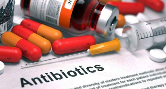 Антибиотики нового поколения имеют разные формы выпуска: таблетки, уколы, свечи