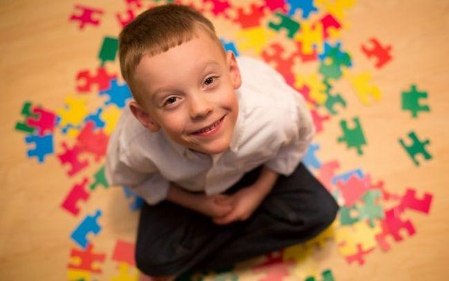 Дети с аутизмом часто зациклеваются на каком-то определенном действии