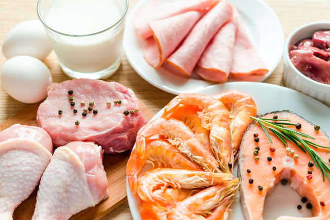 При соблюдении диеты очень важно грамотно составить схему сбалансированного питания, поэтому оптимальным будет рацион, состоящий из 60% животных и 40% растительных белков