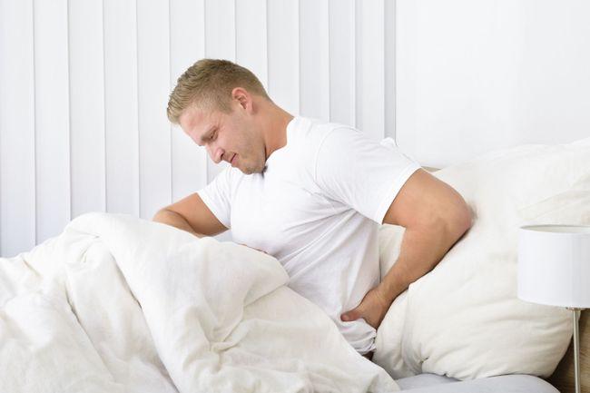 Боль внизу спины у мужчин