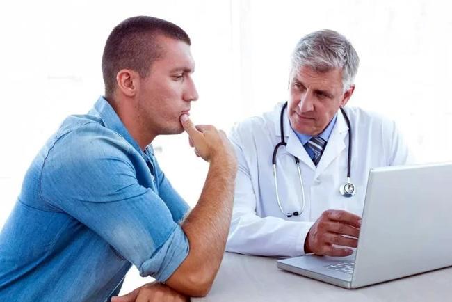 Частое безболезненное мочеиспускание у мжчин может быть признаком развивающейся аденомы простаты