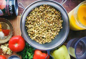 Несмотря на высокую калорийность, чечевица может быть полезна при похудении