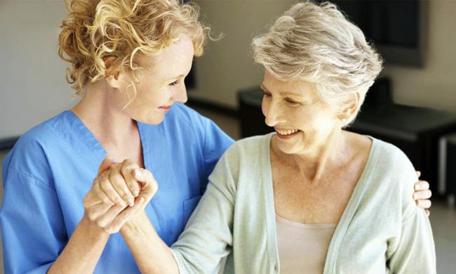 В период реабилитации, пациенту необходимо постепенно наращивать физические нагрузки, от небольших передвижений по больничным коридорам, до прогулок на 1-2 км в день