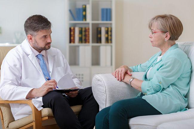 Только специалист может назначить правильное лечение цистита.