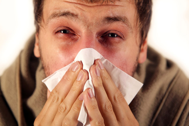 После использования капель Деринат снижается отек слизистых оболочек, улучшается дыхание и самочувствие пациента