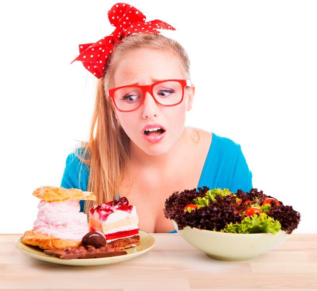 Для достижения результата необходимо будет исключить из меню простые углеводы и жиры: жаренную в масле пищу, выпечку, шоколад и прочие продукты, содержащие в своем составе насыщенные жиры и сахар