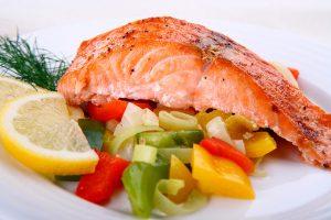Жирные сорта рыбы и мяса строго запрещены в диете Стол №5