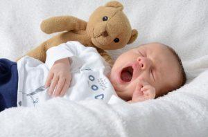 Эпилепсия у детей проявляется в разы чаще, т.к. их организм активно растет и если хроническое заболевание имеет место, то оно либо проявится, либо нет.