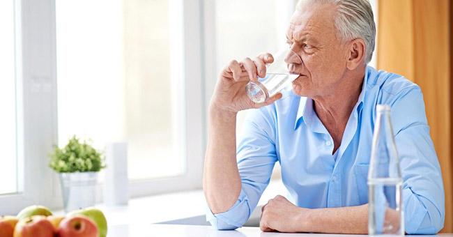 Прием Фортранса пожилыми людьми, которые страдают от сопутствующих заболеваний, должен обязательно контролироваться специалистом