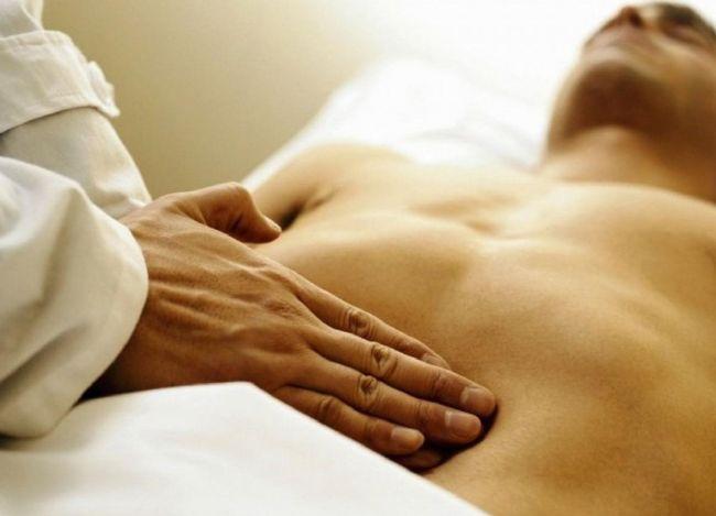 Гастроскопическое исследование позволяет оценить состояние стенок желудка и двенадцатиперстной кишки
