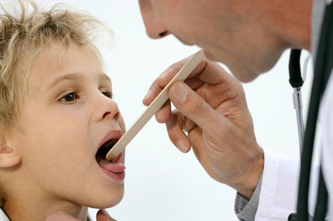 Если герпесную ангину должным образом не лечить, его возбудитель способен нарушать деятельность нервной системы
