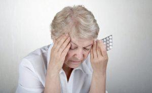 """Таблеток для снижения артериального давления предостаточно. Главное - получить консультацию у врача и всегда помнить, что каждая таблетка имеет эффект """"накапливания"""" и максимальный эффект достигается после недельного или двухнедельного курса лечения."""