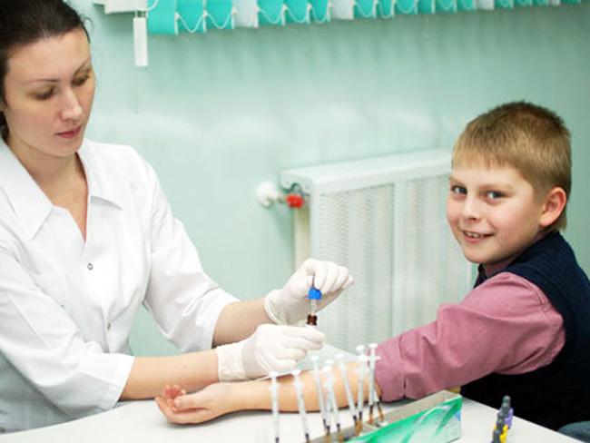 Лечение детей препаратом Глюкофаж, должно проводиться под постоянным контролем врача, в особенности, если ребенку от десяти до двенадцати лет