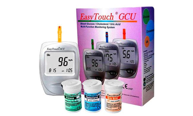 Электрохимический глюкометр EasyTouchу способен измерять не только уровень глюкозы в крови, но и холестерина и гемоглобина, для каждого тест-параметра предусмотрены индивидуальные тест-полоски