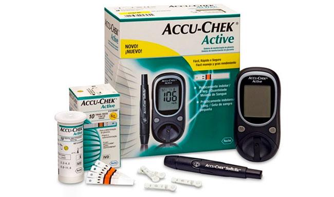 Глюкометр Accu-Chek Active позволяет производить забор крови не только из пальца, но и с предплечья, плеча, икры ноги, ладони, что обеспечивает дополнительное удобство