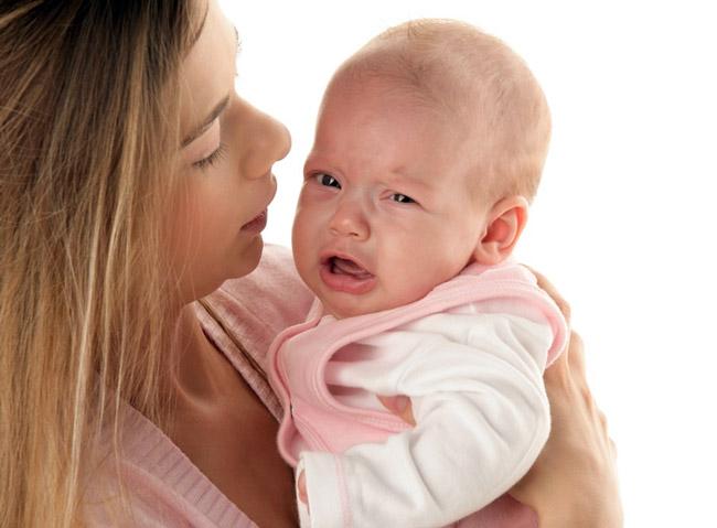 Затяжная икота может доставить дискомфорт ребенку