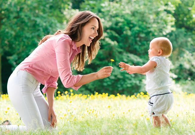 Неотъемлемая часть профилактики вирусных заболеваний и укрепления иммунитета – ежедневная прогулка ребенка на свежем воздухе