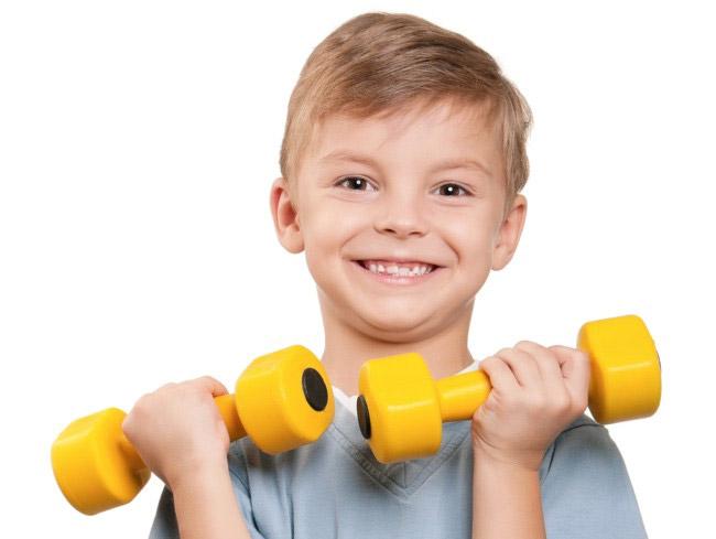Занятия спортом позволяют ребенку рости сильным, здровым и крепким