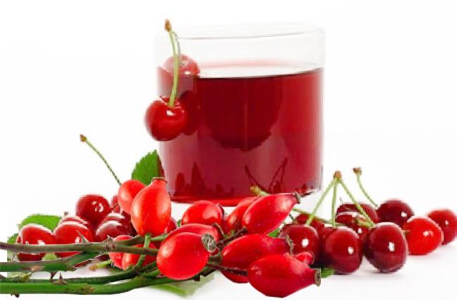Отвары из шиповника и вишни, популярные и эффективные народные средства помогающие уменьшить жжение при мочеиспускании у женщин