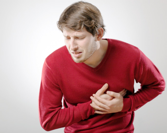 Жжение в области сердца – серьезный повод обратится за медицинской помощью. Ведь оно может свидетельствовать об опасных заболеваниях, которые угрожают человеческой жизни