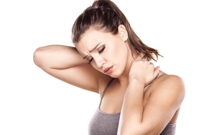 Остеохондроз - одна из распространенных причин появления боли и жжения в области груди