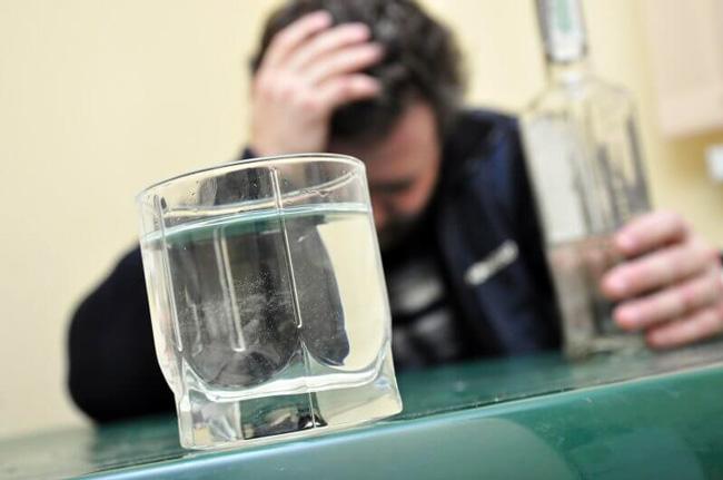 Полисорб поможет избавиться от симптомов алкогольного отравления