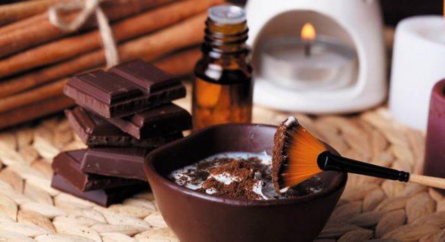 Для шоколадного обертывания можно использовать порошок какао либо готовую плитку шоколада