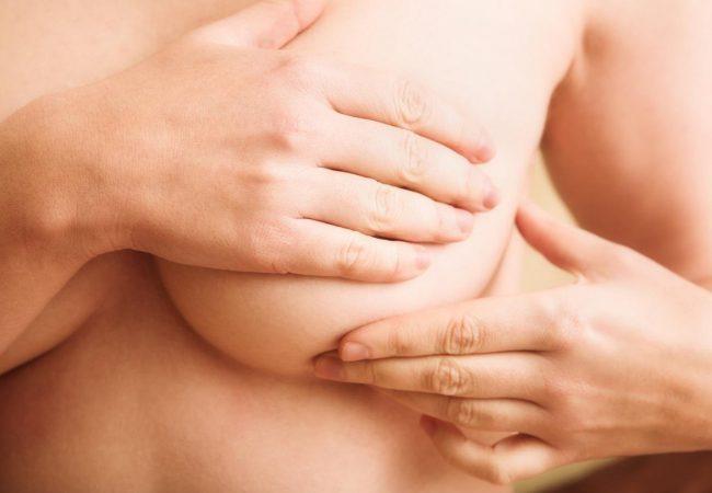 Для улучшения состояния бюста успешно применяют классическую, китайскую и японскую технику массажа