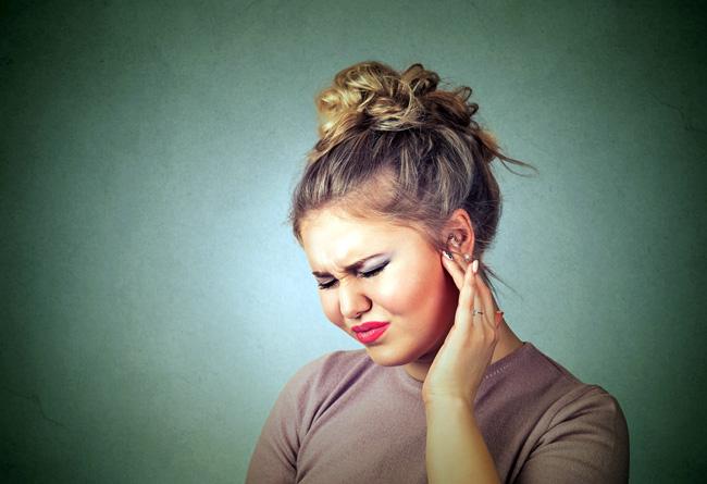 Капли прописывают при возникновении острых или хронических патологий, затрагивающих органы слуха