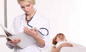 Поскольку магнезия так или иначе влияет на артериальное давление, в случае неправильных дозировок запросто можно навредить организму или вызвать крайне нежелательные симптомы