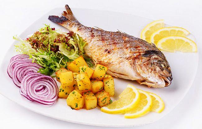 Постная рыба входит в меню при повышенной кислотности