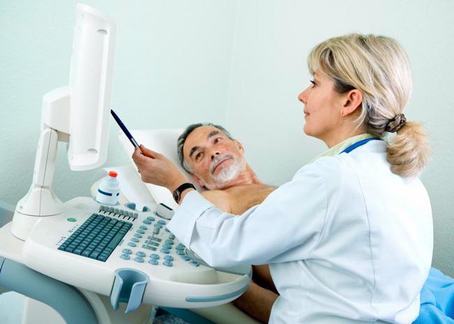 После Коронарографии пациент должен находиться в постели 5-7 часов. Хирург тщательно изучает запись процедуры затем предоставляет пациенту сведения о степени поражения артерий и рекомендации к последующему лечению