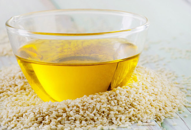 Кунжутное или сезамовое масло, благодаря своим уникальным лечебным свойствам, широко используется в народной медицине